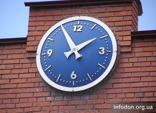 Часы на проходной ДМЗ