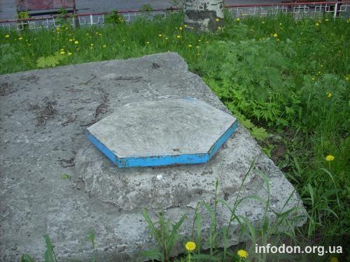 Люк бетонный шестиугольный