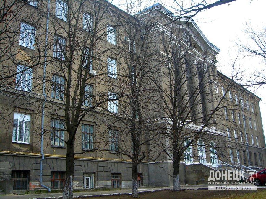 5-й корпус ДонНТУ. Донецк, весна 2012