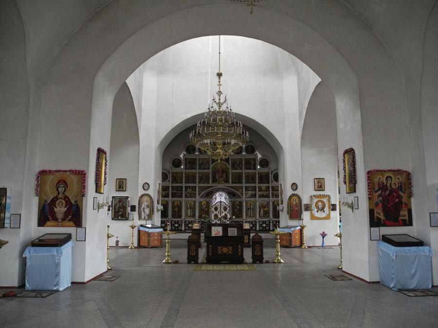 Внутри-храма