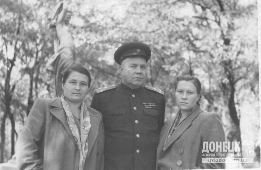 23. 1951-52гг. Фото на память