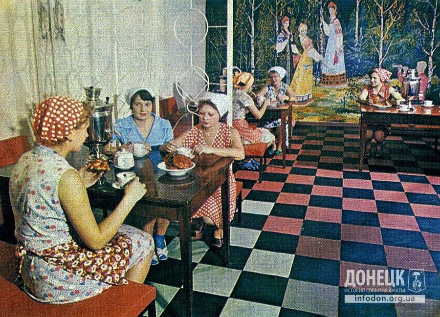 Приятно отдохнуть за чашкой чая в комнате отдыха «Березка».