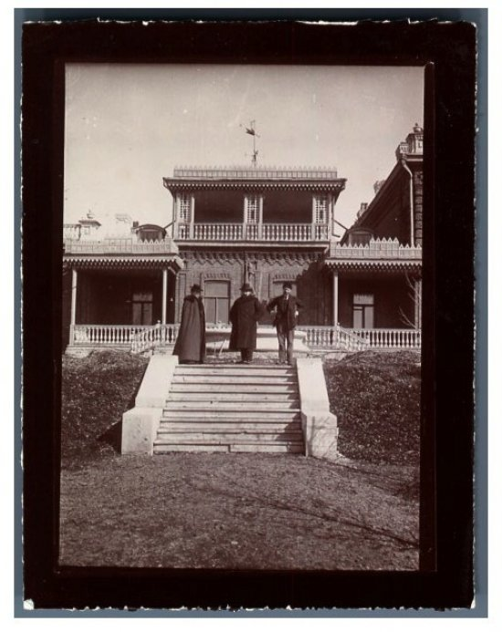 вид на дом и парк 1902г