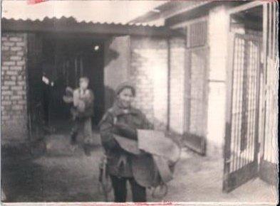 10   1989 Бывшие учебные конюшни.