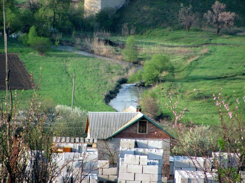 Река Кальмиус около Ларино