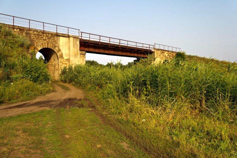 Старый мост около Ларино