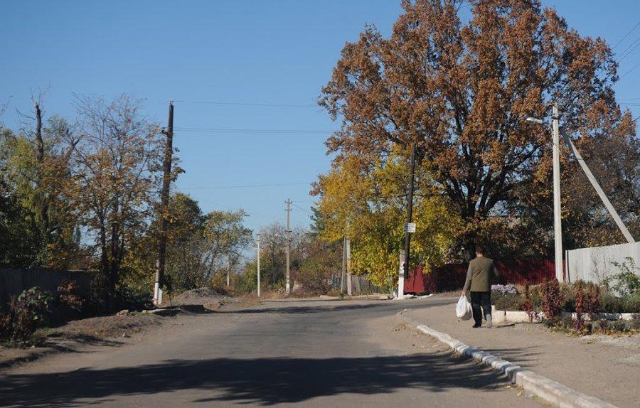 Улица поселка Ларино