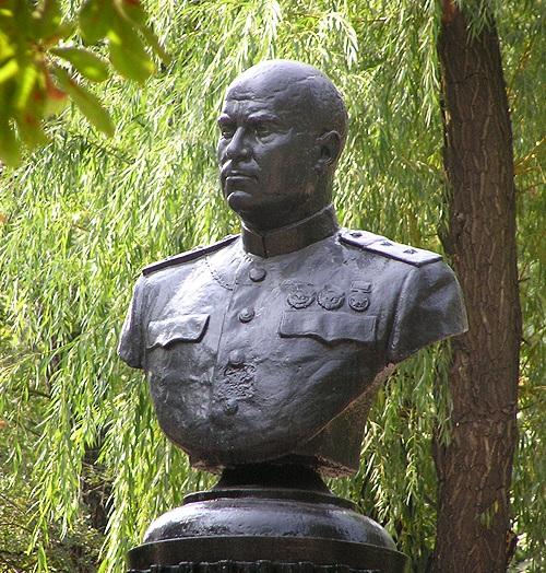 Бюст К.А. Гурова. Фото 2005 г. [7]