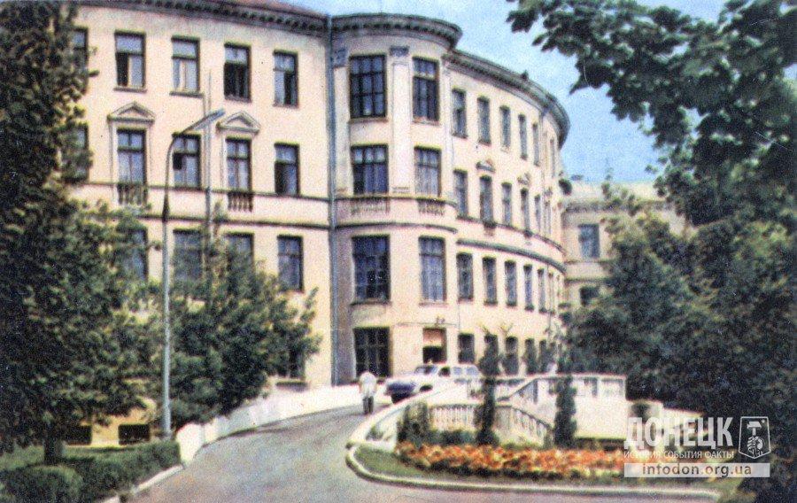 Научно-исследовательский институт травматологии, ортопедии и протезирования. Фото В. Чупрынина