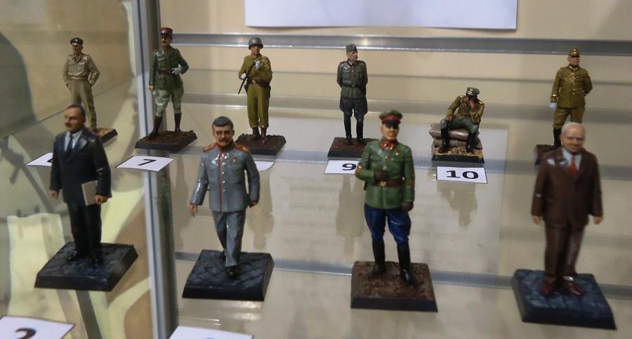 Фигурки лидеров Второй мировой