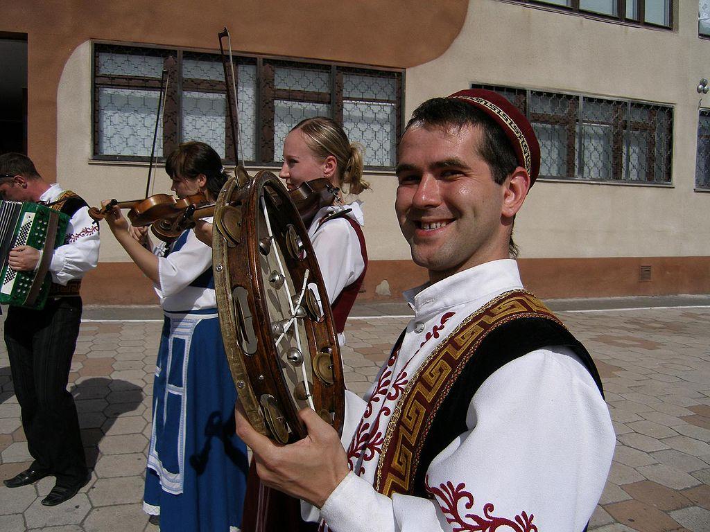 Приазовский грек в традиционном костюме