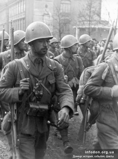 Пехота итальянского экспедиционного корпуса в Сталино