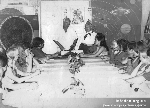 И.Ф. Шумило в обсерватории «Сатурн» пионерского лагеря «Буревестник». Август 1971 года Пётр Варият